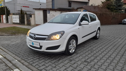 2013 Opel Astra - front-left exterior