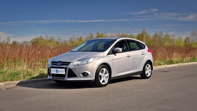 2013 Ford Focus - front-left exterior