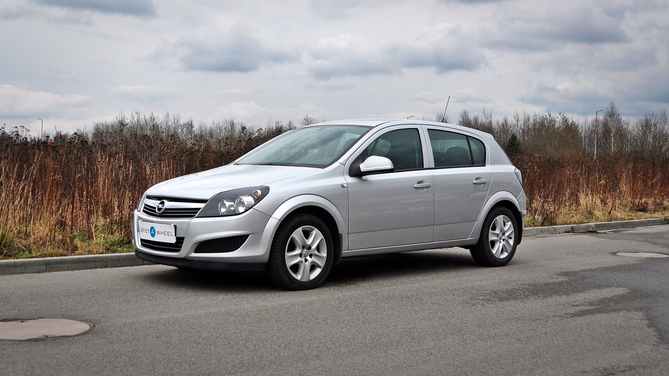 Opel Astra 1.6 of 2011