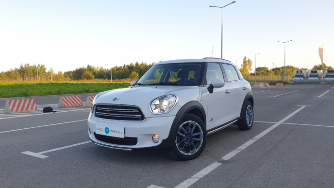 2016 Mini Countryman - front-left exterior